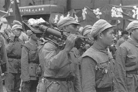 Kuomintang mengkonsentrasikan kekuatannya di kota-kota, namun akhirnya gagal mempertahankannya.